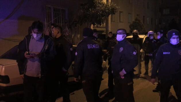 Kalabalık iki aile arasındaki kavgayı polis ayırdı