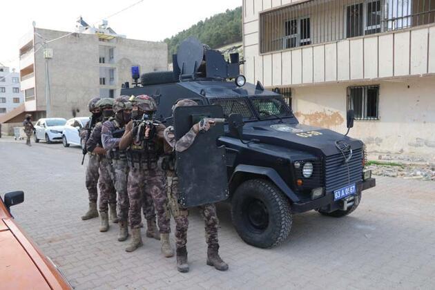Şanlıurfa'da şafak operasyonu : 43 gözaltı