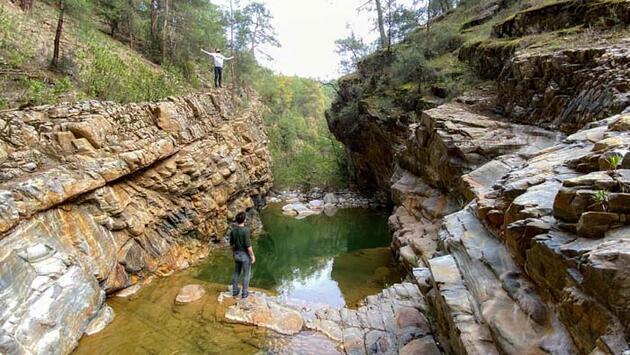 Bozdağan'da 'Kral Havuzu' doğa tutkunlarının ilgisini çekiyor