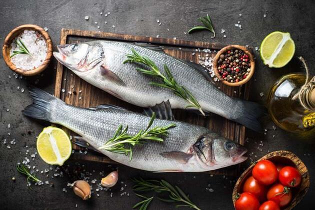 Balıktan sonra tüketirseniz zararlı maddeleri vücuttan söküp atıyor! Uzmanından sağlıklı balık tarifi...