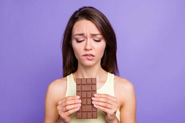 Çikolata yerine tüketebileceğiniz 8 besin!