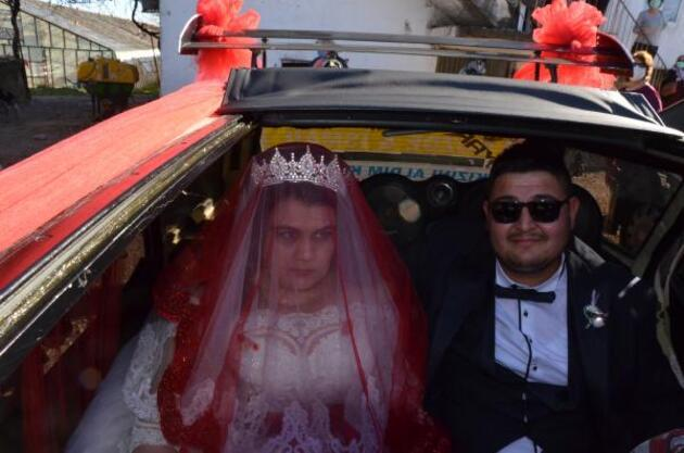 Diriftli evlilik teklifi cezasını ödeyemeyince gelin arabasını satışa çıkarttı