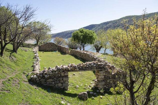 """Ege ve Akdeniz'i aratmıyor! Tunceli'nin saklı cenneti """"Gemici Vadisi""""nden eşsiz manzaralar"""