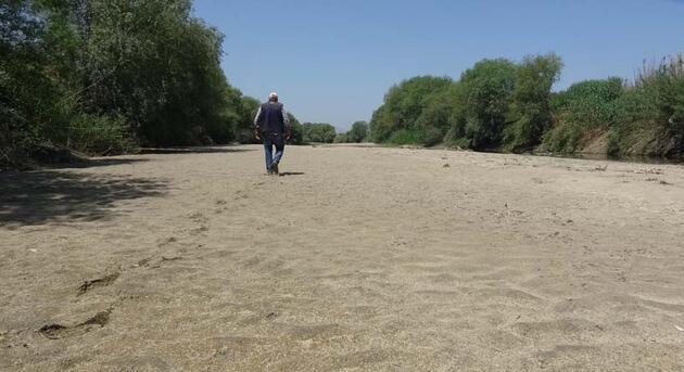 Büyük Menderes Nehri kurudu