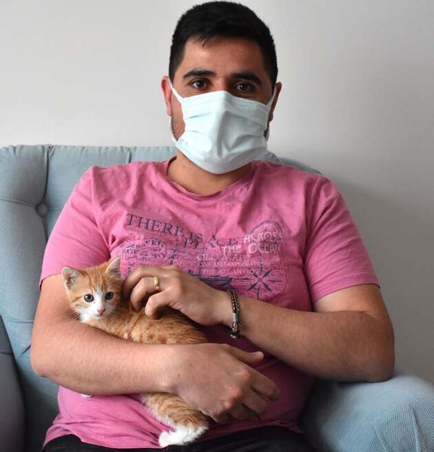 Ekipleri pes ettiren yavru kediyi kendisi çıkarıp sahiplendi