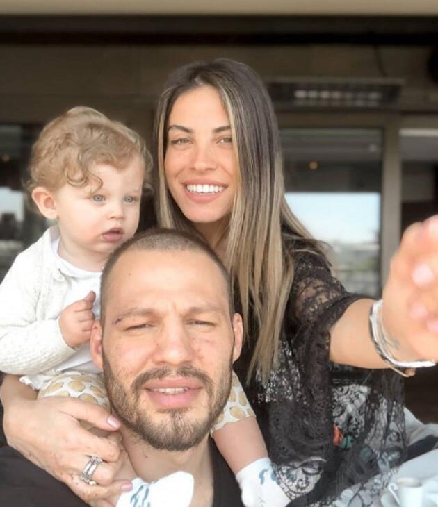 Avatar Atakan ve ailesi soluğu tatilde aldı