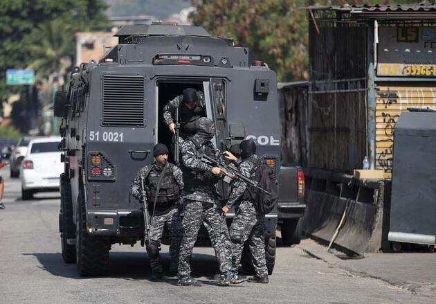 Brezilya polisinden kanlı baskın: Mahalle kan gölüne döndü