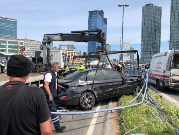 Beşiktaş'ta makas iddiası: 4 yaralı, 11 araç hasar gördü