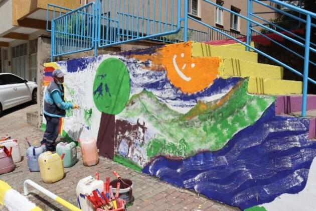 Belediyenin temizlik işçisi 'Picasso'ları