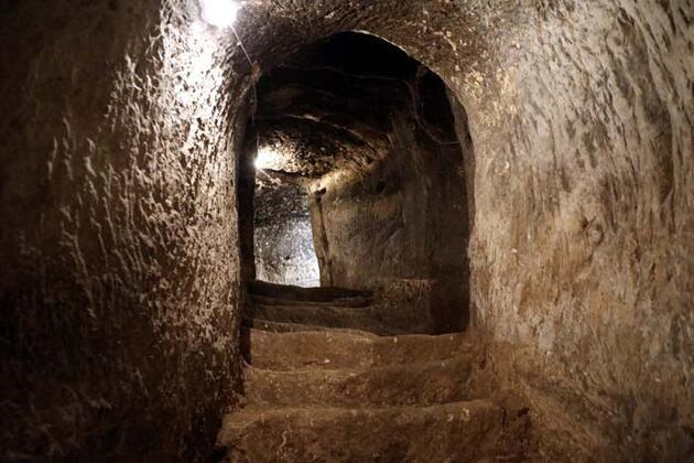 Gaziantep Kalesi'nin altındaki tarihi tüneller turizme kazandırılıyor
