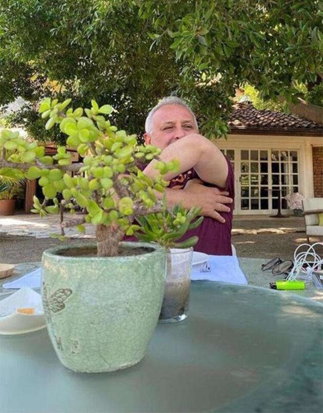 Hazar Ergüçlü'nün tatil pozları sosyal medyayı salladı