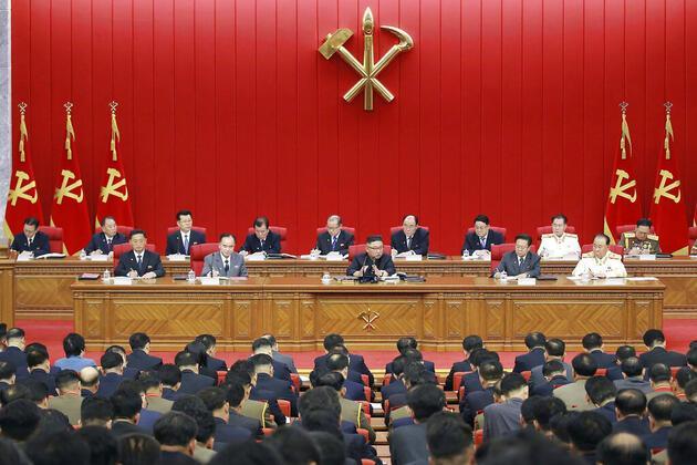 """Kuzey Kore'de Kim'den itiraf: """"Ülkede kıtlık endişe verici boyutlarda"""""""