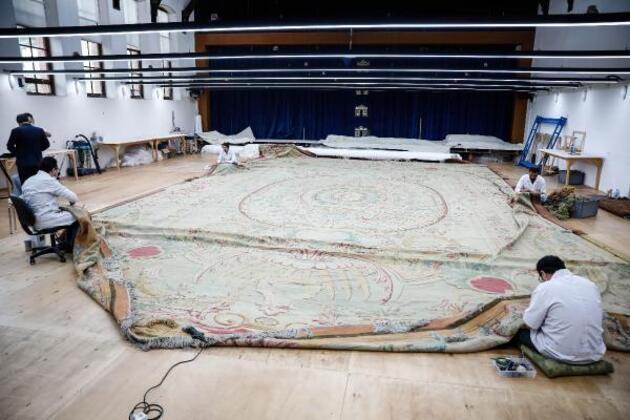 Dolmabahçe Sarayı'nın 119 yıllık tarihi halısı restore ediliyor