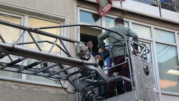 Bursa'da apartmanda yangın; mahsur kalan 1'i bebek 12 kişi kurtarıldı