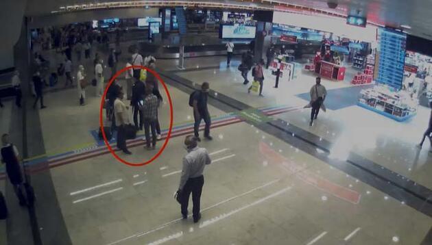 İstanbul Havalimanı'nda adım adım takip edildiler! Böyle yakalandılar...