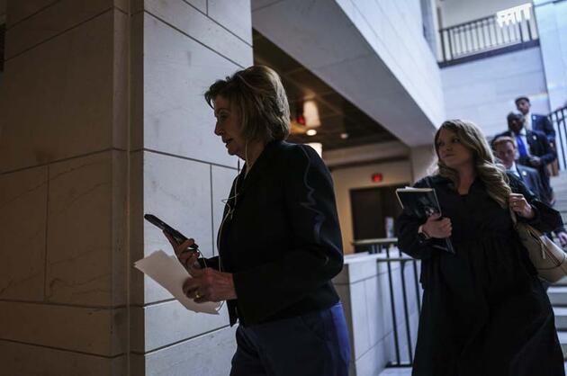 Pelosi harekete geçti! 6 Ocak komisyonu kuruluyor
