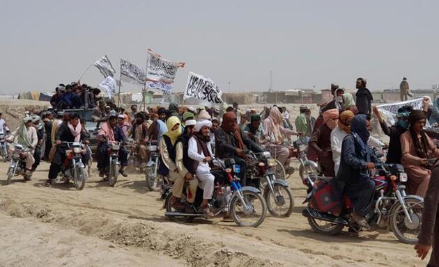 Afganistan'da büyük göç! Taliban ülkeyi yeniden ele geçirebilir - Son Dakika Dünya Haberleri