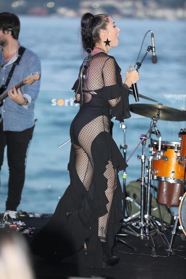 Hande Yener iddialı kostümler giymesi hakkında konuştu