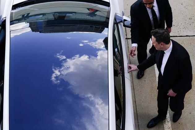 Elon Musk geri adım attı: Yeniden başlıyor