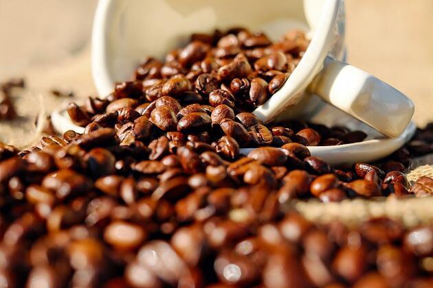 Çay ve kahve tiryakilerine kötü haber! O hastalığı tetikliyor