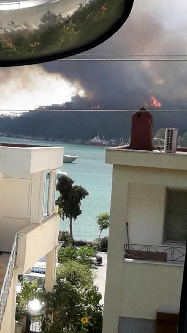 Milas'ta orman yangını; alevler iki otelin bahçesine kadar dayandı