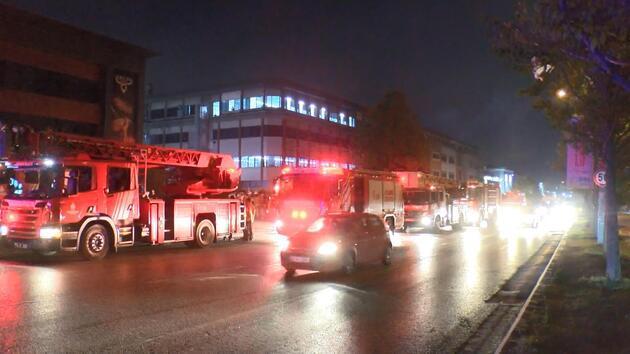 Başakşehir'de et restoranında yangın: 11 kişi dumandan etkilendi