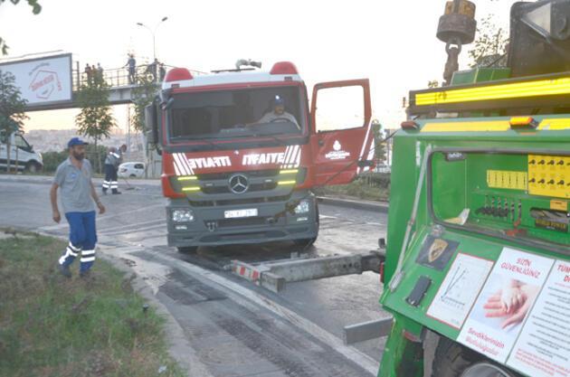 İtfaiye aracı devrildi: İki yaralı