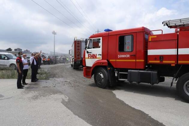 Azerbaycan'dan yangınlara destek amacıyla gelen 53 araçlık konvoy yangın bölgesine gidiyor