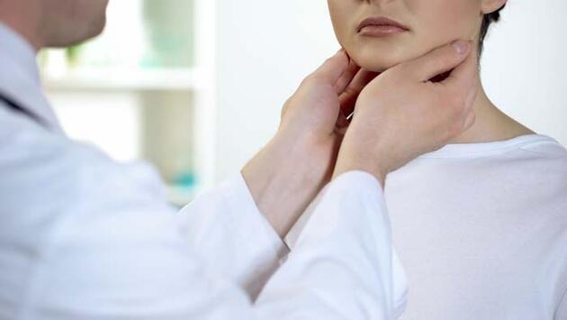 Tiroid bezi az çalışınca vücutta neler oluyor? İşte en sık rastlanan belirtiler