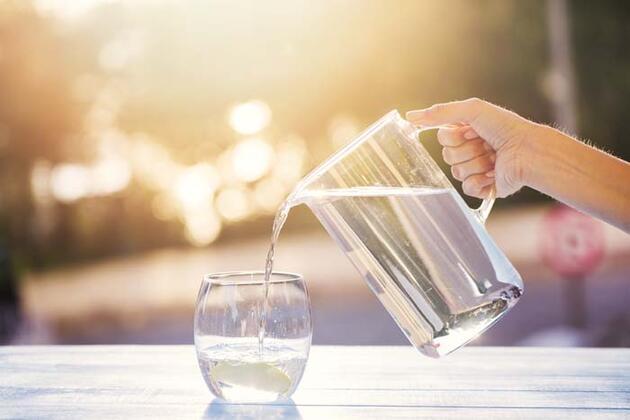 Aşırı sıcak havalarda su içmenin vücuda etkileri!