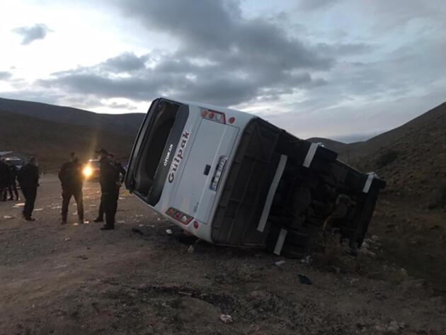 Kayseri'de midibüs şarampole devrildi: 29 yaralı