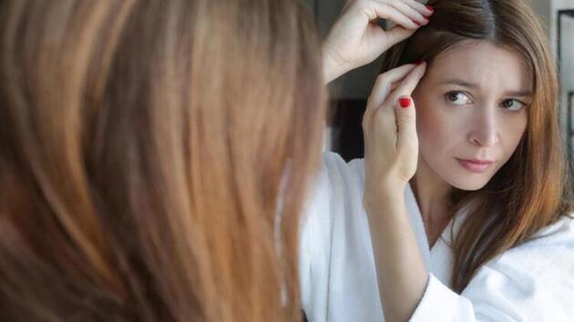 Genç yaşta saçları beyazlatan 6 neden