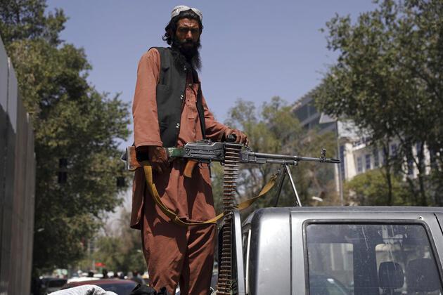 Taliban'dan hamile bir polis memuruna infaz
