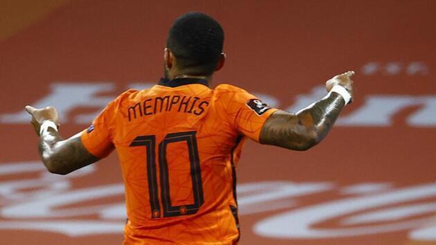Son dakika... Hollanda-Türkiye maçında Şenol Güneş'in dikkat çeken görüntüsü!