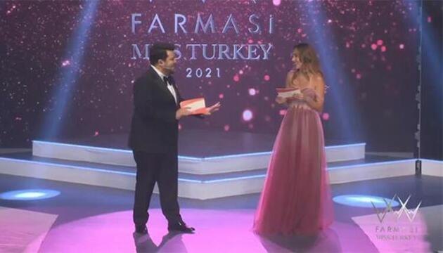Eser ve Berfu Yenenler arasındaki diyalog Miss Turkey2021'e damga vurdu