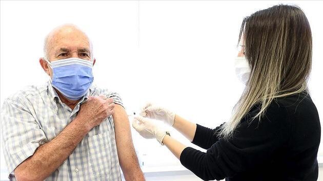 65 yaş üstüne tek doz uyarısı
