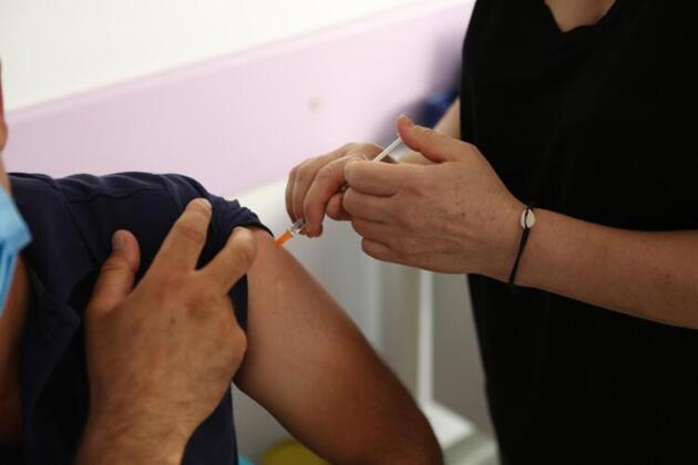 Uzman isimlerden ezber bozan koronavirüs açıklaması: 6-9 ay içerisinde...