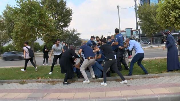 Keşif sırasında kadın sürücüye saldırdılar, polis biber gazıyla müdahale etti