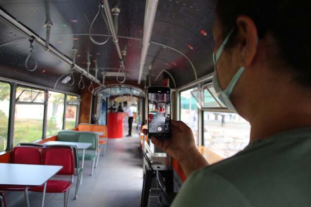 'Nostaljik Tramvay Kafe' müşterilerini zamanda yolculuğa çıkarıyor