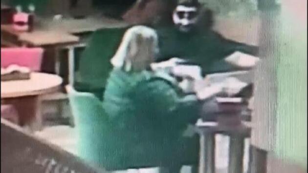 Buluştuğu kadının parasını çaldı, hesabı ödeyip kaçtı