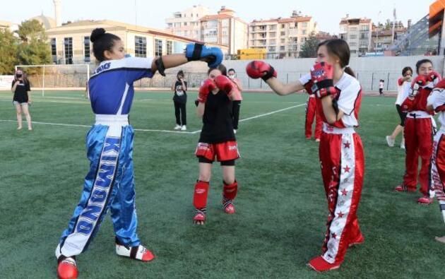 'Bir kadın tek başına ne yapabilecek' diyenlere inat bir kente kick boksu sevdirdi
