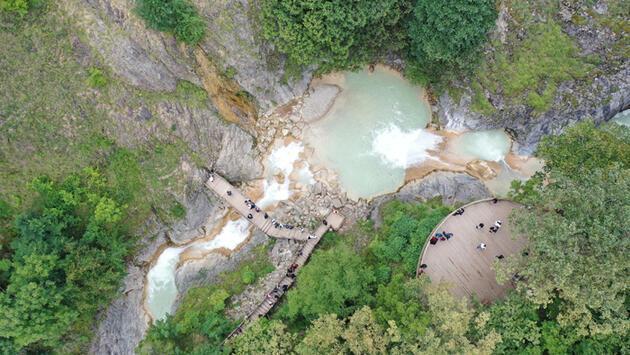 Doğal güzelliğiyle hayran bırakan 'Mavigöl' turistlerin uğrak yeri oldu