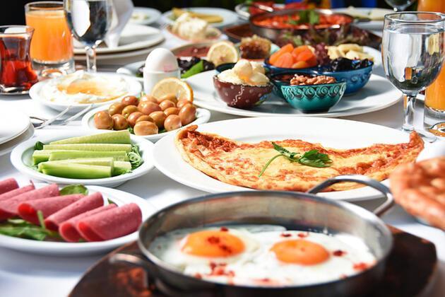 Kahvaltı sofrasında olması gereken 8 besin