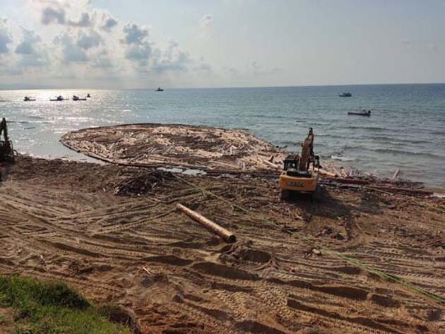 Sel bölgesinde 90 bin tomruk toplandı