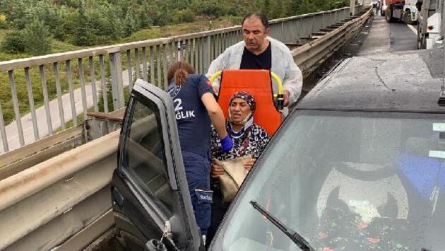 TEM'de 7 aracın karıştığı zincirleme kaza: 4 yaralı