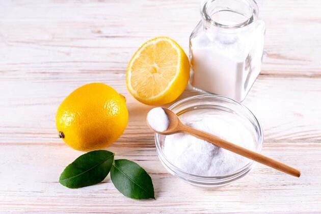 Dişlerinizi beyazlatmak için limon ve karbonat uygulamayın! İşte dişleri temizleyen besinler