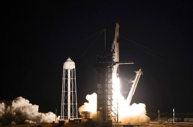 Bill Gates'ten Bezos ve Musk'a 'uzay' tepkisi