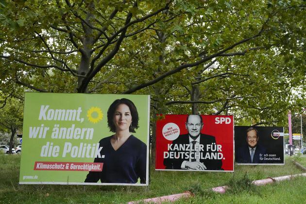 Almanya'da kritik seçim günü: Kıran kırana yarış