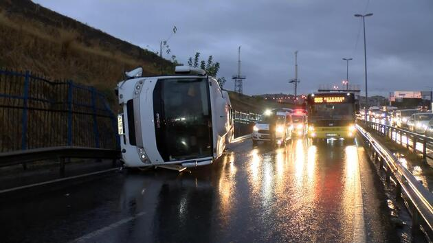 İstanbul'da D100 Karayolu'nda art arda trafik kazaları