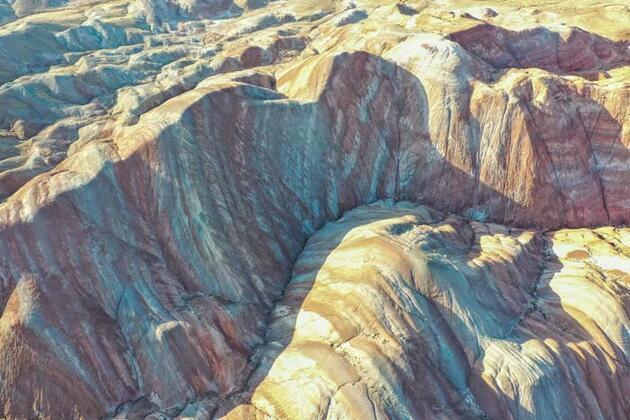 Iğdır'daki Gökkuşağı Tepeleri'ne ziyaretçilerden yoğun ilgi